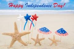 Fondo felice di U.S.A. di festa dell'indipendenza con le stelle e le stelle marine Fotografie Stock Libere da Diritti
