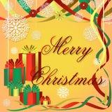 Fondo festivo de la Navidad con los regalos coloreados, las cintas bonitas y los copos de nieve Imagen de archivo libre de regalías