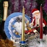 Fondo festivo per una cartolina di Natale con una bambola di Santa Claus Immagini Stock Libere da Diritti