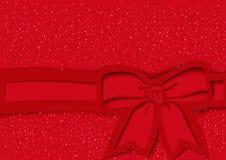 Fondo festivo rosso con l'arco e nastro nello stile del ritaglio immagini stock libere da diritti