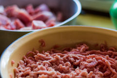 Fondo fresco della carne/carta da parati tritati e cubati Fotografia Stock