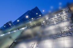 Fondo futuristico urbano di architettura della città moderna astratta di affari Concetto del bene immobile, mosso, riflessione de Immagine Stock