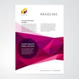 Fondo geométrico abstracto púrpura de los triángulos Fotos de archivo libres de regalías
