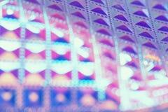 Fondo geométrico ultravioleta olográfico con el foco selectivo Imágenes de archivo libres de regalías