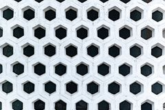 Fondo geometrico astratto, struttura interessante di una parete decorativa fotografia stock libera da diritti