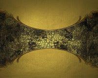 Fondo giallo con una tonalità dorata con un piatto scuro Mascherina per il disegno copi lo spazio per l'opuscolo dell'annuncio o  Fotografia Stock Libera da Diritti