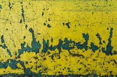 fondo giallo dell'estratto di struttura del graffio Ruggine e p di pelatura Fotografia Stock