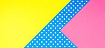 Fondo giallo, rosa e blu geometrico astratto della carta del pois Fotografie Stock Libere da Diritti