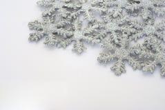 Fondo Glittery de los copos de nieve fotos de archivo