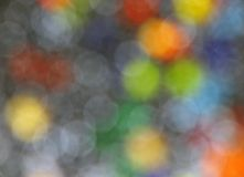 Fondo gris de círculos coloreados Fotos de archivo