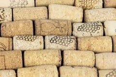 Fondo hecho de corchos del vino imagen de archivo
