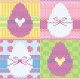 Fondo hecho punto con los huevos de Pascua Imagenes de archivo