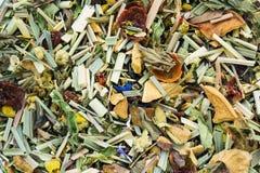 Fondo herbario secado de las hojas de té de la manzanilla Visión desde la tapa clo fotografía de archivo libre de regalías