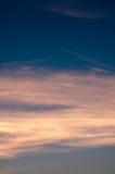 Fondo hermoso de la naturaleza Puesta del sol colorida Cielo dramático Fotografía de archivo libre de regalías
