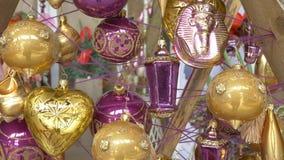 Fondo hermoso para la celebración de la Navidad Ornamentos decorativos almacen de metraje de vídeo
