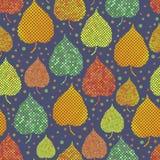 Fondo inconsútil brillante con las hojas de otoño Fotografía de archivo libre de regalías