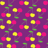 Fondo inconsútil con las cerezas decorativas Imagen de archivo libre de regalías