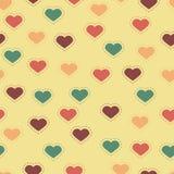 Fondo inconsútil con los corazones y las puntadas coloridos Imagen de archivo libre de regalías