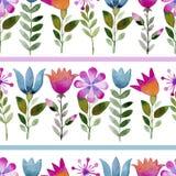 Fondo inconsútil de la acuarela que consiste en las flores y los pétalos rosados Fotos de archivo libres de regalías