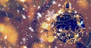 Fondo inconsútil del lazo de la Navidad con los copos de nieve almacen de metraje de vídeo