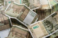 Fondo indio de la moneda de quinientos rupias imagenes de archivo