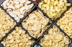 Fondo italiano dell'assortimento della pasta Immagini Stock Libere da Diritti