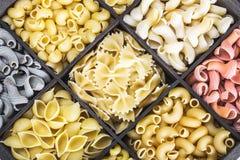 Fondo italiano dell'assortimento della pasta Immagine Stock