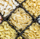 Fondo italiano dell'assortimento della pasta Fotografie Stock Libere da Diritti
