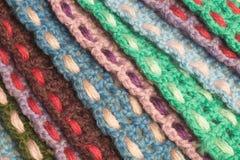 Fondo kniting hecho a mano de la textura de las tiras de las lanas Fotos de archivo