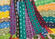 Fondo kniting hecho a mano de la textura de las tiras de las lanas Fotografía de archivo libre de regalías