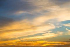 Fondo luminoso del cielo di tramonto Fotografia Stock Libera da Diritti