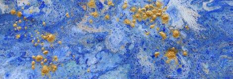 Fondo marbleized abstracto del efecto Colores creativos azules Pintura hermosa con la adici?n del oro bandera imagenes de archivo