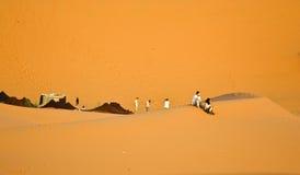 Fondo marroquí de la duna del desierto Fotos de archivo