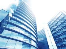 Fondo moderno del azul de los rascacielos de los edificios de la oficina de negocios Imagen de archivo