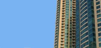 Fondo moderno della costruzione con il cielo Fotografia Stock Libera da Diritti