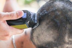 Fondo molle del fuoco della sfuocatura di taglio di capelli Fotografie Stock Libere da Diritti