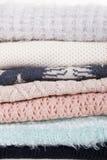 Fondo multicolor de los suéteres Fotos de archivo libres de regalías