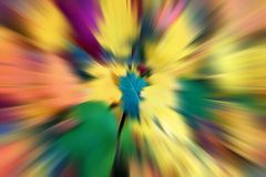 Fondo multicolore astratto Sfuocatura radiale variopinta, strisce dei raggi della luce, dello sprazzo di sole o dello starburst d Fotografia Stock