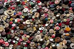 Fondo multicolore. bottoni di cucito. Fotografie Stock Libere da Diritti