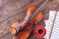 Fondo musicale con attrezzatura classica Immagini Stock