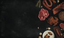Fondo negro con la carne Imágenes de archivo libres de regalías