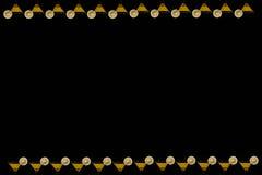Fondo nero verticale con i vetri di succo d'arancia Fotografie Stock