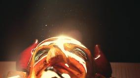 Fondo oscuro de la máscara de Diablo dinámico metrajes