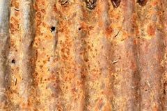 Fondo oxidado de la textura del tejado de la lata Imagenes de archivo