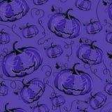 Fondo púrpura inconsútil con las calabazas para Halloween libre illustration