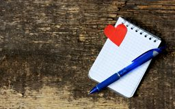 Fondo para el día de tarjetas del día de San Valentín con los corazones Fotos de archivo libres de regalías