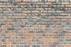 Fondo, pared de ladrillo roja vieja Foto de archivo libre de regalías