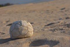 Fondo piacevole della spiaggia di tempo della palla Immagine Stock