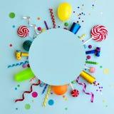 Fondo posto piano variopinto della festa di compleanno fotografia stock