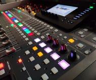 Fondo profesional de la consola de la música, equipo de sonido foto de archivo libre de regalías